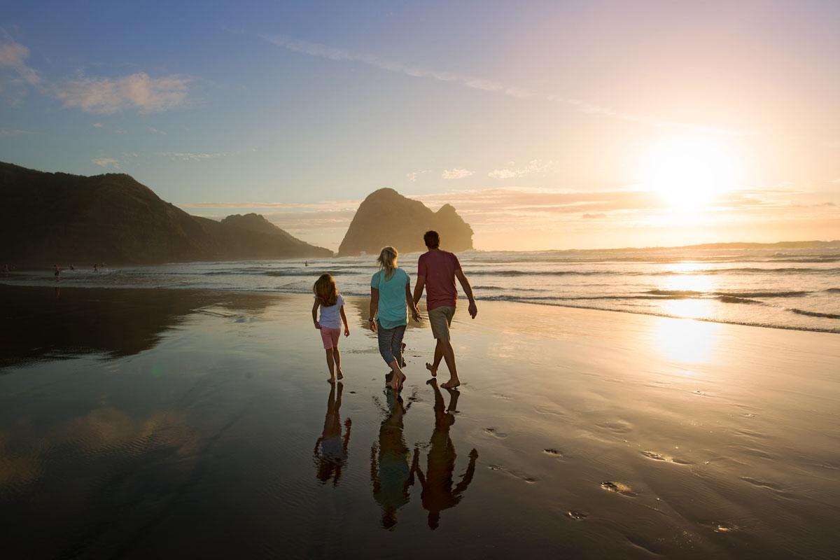 Piha Beach, Auckland, New Zealand family guided tour